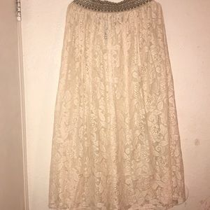 Maxi lace skirt